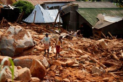 Cólera irrompe em meio a fome e doenças de sobreviventes de ciclone na África