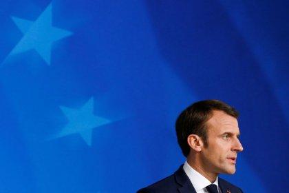 """ماكرون يشيد بهزيمة الدولة الإسلامية ويصفه بأنه نهاية """"خطر كبير"""" على فرنسا"""