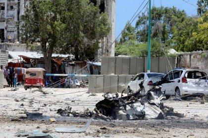 مقتل 15 على الأقل في هجوم لحركة الشباب على مبنى حكومي في مقديشو
