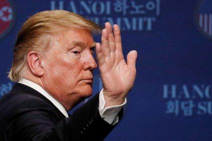 أمريكا تترقب نشر نتائج تحقيق مولر حول تدخل روسيا في الانتخابات وترامب يلوذ بالصمت
