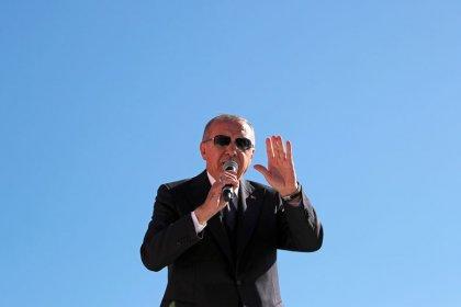 """أردوغان: من يشترون العملة الأجنبية توقعا لهبوط الليرة سيدفعون """"ثمنا باهظا"""""""