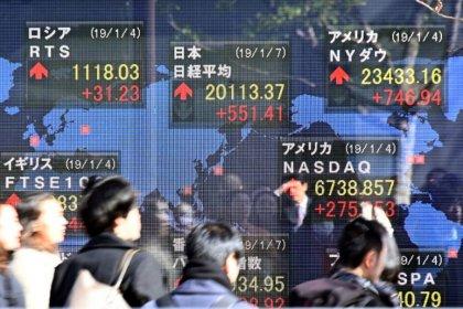 Índices da China recuam em sintonia com mercados globais