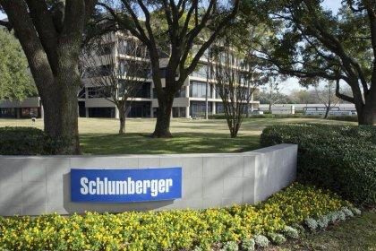 Schlumberger profit falls 19.8 percent on weak North America activity