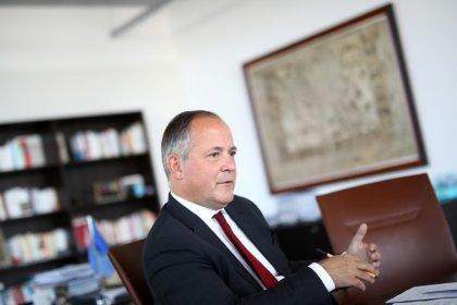 EZB-Direktor sieht Milderung der Strafzinsen für Banken skeptisch