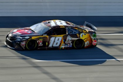 Nascar Notebook Kyle Busch In Tough Position To Extend Top 10 Streak