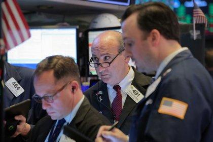 بورصة وول ستريت تصعد لثالث جلسة على التوالي بفضل أرباح وبيانات قوية
