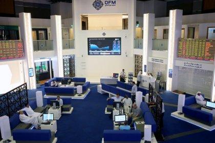بورصة دبي تتراجع تحت ضغط العقارات والبنوك وسط تباين أسواق الأسهم الخليجية