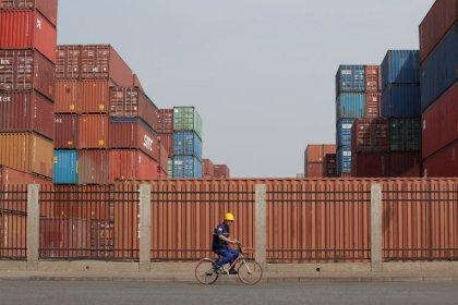 Full-blown trade war will push world toward recession - Morgan Stanley