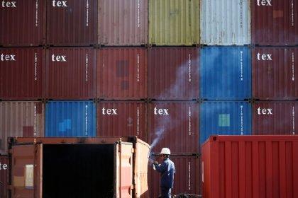 Japans Exporte sinken den fünften Monat in Folge