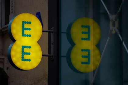 British mobile operator EE to start 5G services, will not offer Huawei