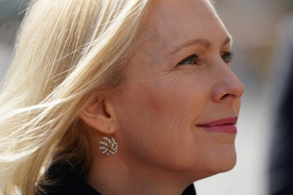 Senator Gillibrand wants insurance to pay for fertility treatments
