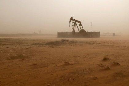Нефть дорожает, но эта неделя может стать худшей за год
