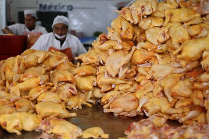 Mexico raises chicken import quota to avoid supply shortage