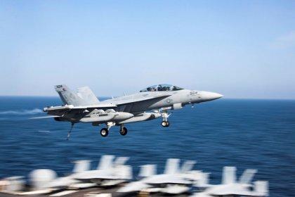 """Irán puede hundir los portaaviones de EEUU con sus """"armas secretas"""", dice oficial militar"""
