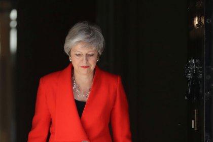 La carrera para suceder a May como primera ministra del Reino Unido se centra en la batalla del Brexit sin acuerdo