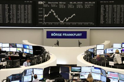 European shares' retreat led by banks on Italian budget woes