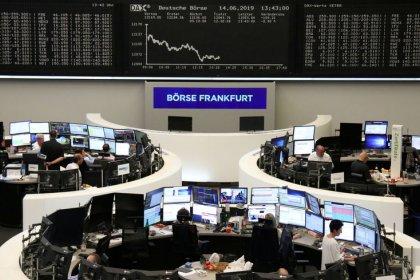 الأسهم الأوروبية عند ذروة 6 أسابيع مع تلميح دراجي لتحفيز