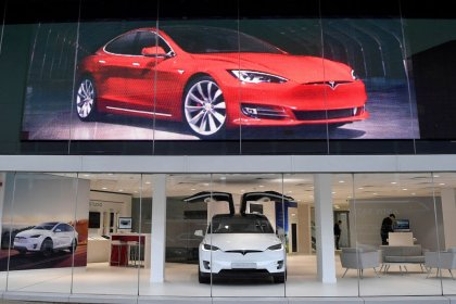 Tesla faces delivery bottleneck at close of second-quarter: Electrek
