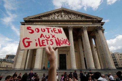 France: Des sans-papiers occupent le Panthéon