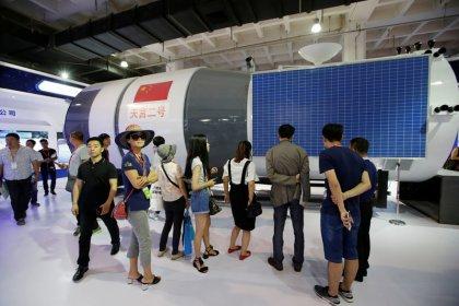 مختبر فضائي صيني مأهول يعود لدخول الغلاف الجوي يوم الجمعة