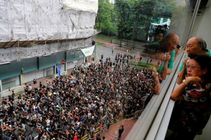Hong Kong activists target mainland shoppers in latest wave of protests