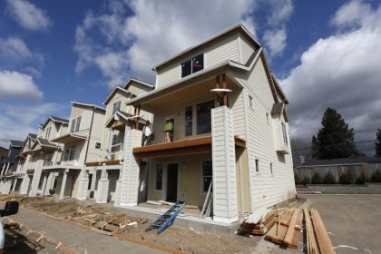 U.S. home builder sentiment inches up in July: NAHB