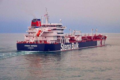 Reino Unido dice que Irán se aproximó al tanquero capturado en aguas de Omán