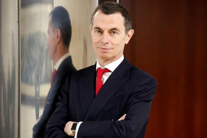 UniCredit CEO: any workforce reduction will be made thru early retirement - memo