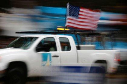 PG&E negotiates price cuts on five solar, battery contracts