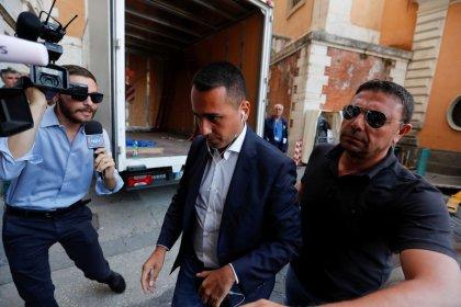 Di Maio, Governo: M5s non vuole accordo con Renzi, su tempi voto decide Mattarella