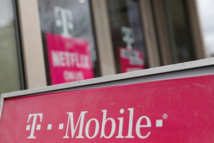Oregon joins states' lawsuit to block T-Mobile, Sprint merger