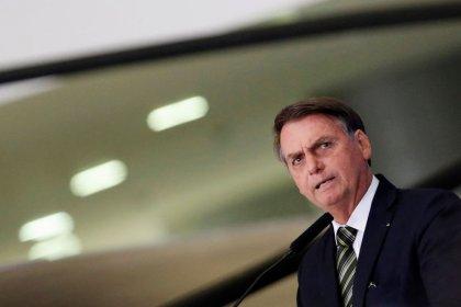 """Bolsonaro diz que """"bandidos de esquerda"""" começam a voltar ao poder na Argentina"""