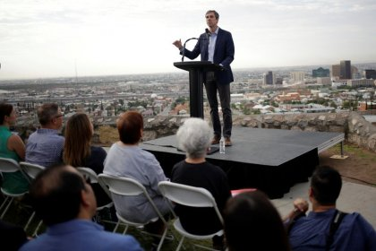Democratic presidential hopeful O'Rourke back on campaign trail; Hickenlooper drops out