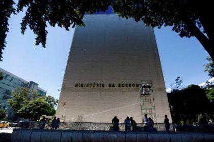 Governo quer que concessionárias possam cobrar tarifas em dólar para redução de risco cambial