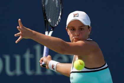 Kuznetsova stuns Barty to set up finals clash with Keys