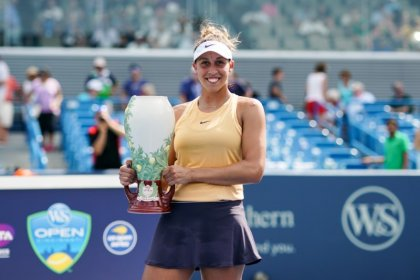 Keys claims Cincinnati title over Kuznetsova