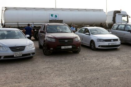ليبيا ترسل محطات وقود متنقلة إلى غرب البلاد