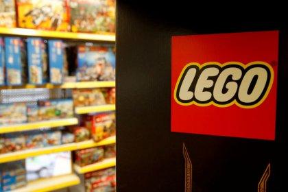 Marvel superheroes power up Lego's sales