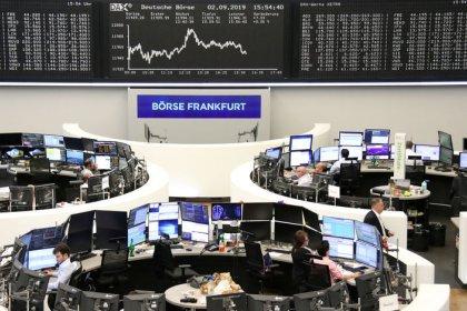 Bolsas europeias caem sob o peso de ações defensivas, antes de reunião do BCE