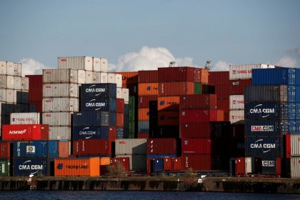 EU goods trade surplus with U.S. and deficit with China widen