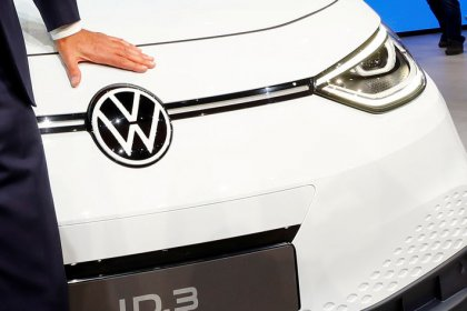 VW CEO shifts strategy from empire building to efficiency