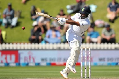 New Zealand restore pride by thrashing India in first test