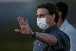 Exército me dá tranquilidade para conduzir país, diz Bolsonaro