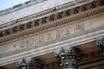L'Europe finit sous ses plus hauts, Wall Street recule