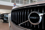 Volvo Cars readies first green bond to support electric car strategy
