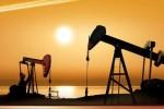 油价自三年高位回落,仍受困于美国石油供应掣肘