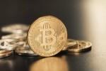 Vốn hóa của Bitcoin vượt mặt Goldman Sachs và Morgan Stanley trong thoáng chốc