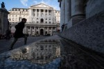 Europe's Central Banks Echo Fed in Shrugging Off Market Turmoil