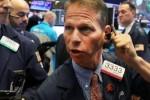 Mỹ trì hoãn áp thuế xe hơi, Dow Jones lập tức xóa sạch đà giảm 190 điểm