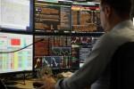 Borsa: Milano in rialzo, crolla Tim